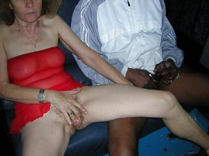 Amirah massage escorts in Mehlville